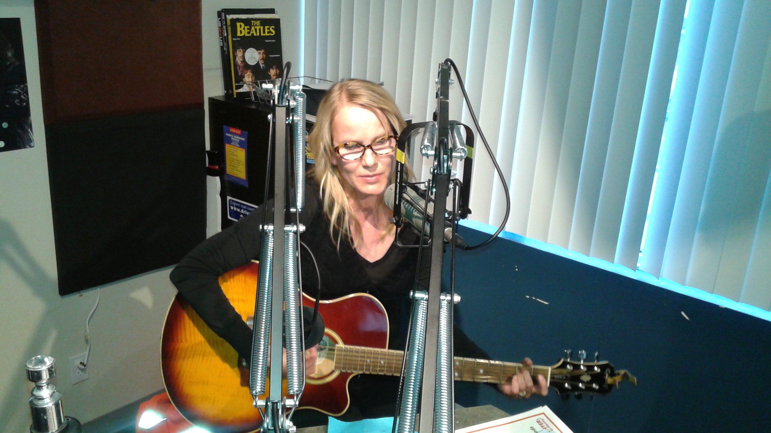 Theresa Jordan performs Live on The Drive!