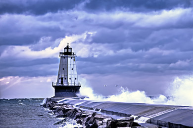Army Corps Warns Of Great Lakes Dangers