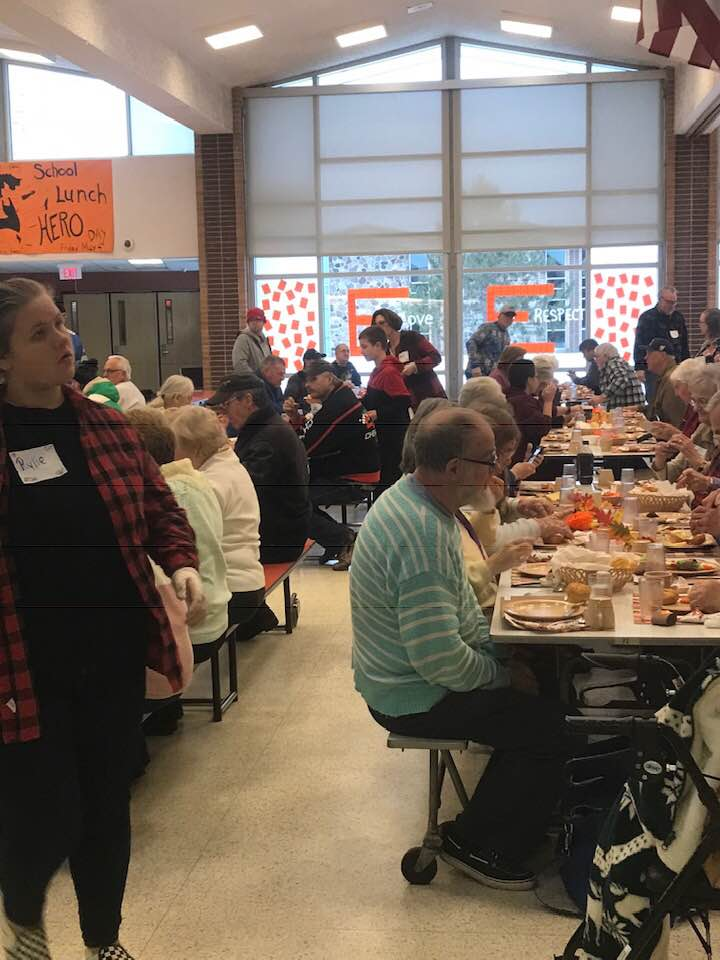 Escanaba Community Celebrates Thanksgiving Together