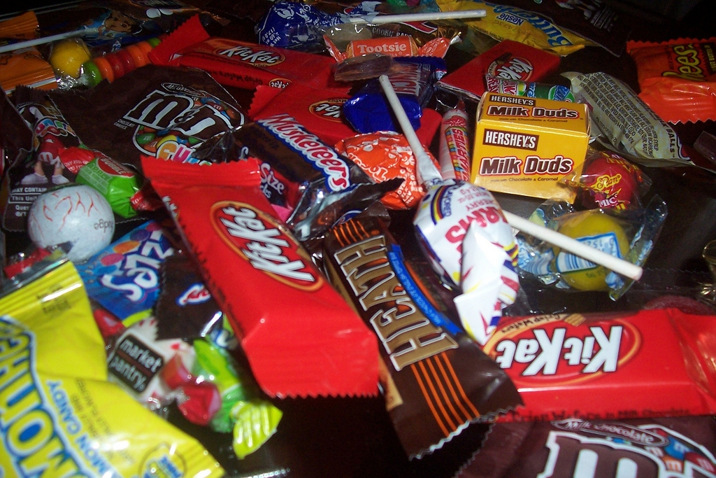 Sewing Needles Found In Halloween Candy!