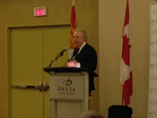 Jean Charest Says Open Dialogue Needed On Fracking
