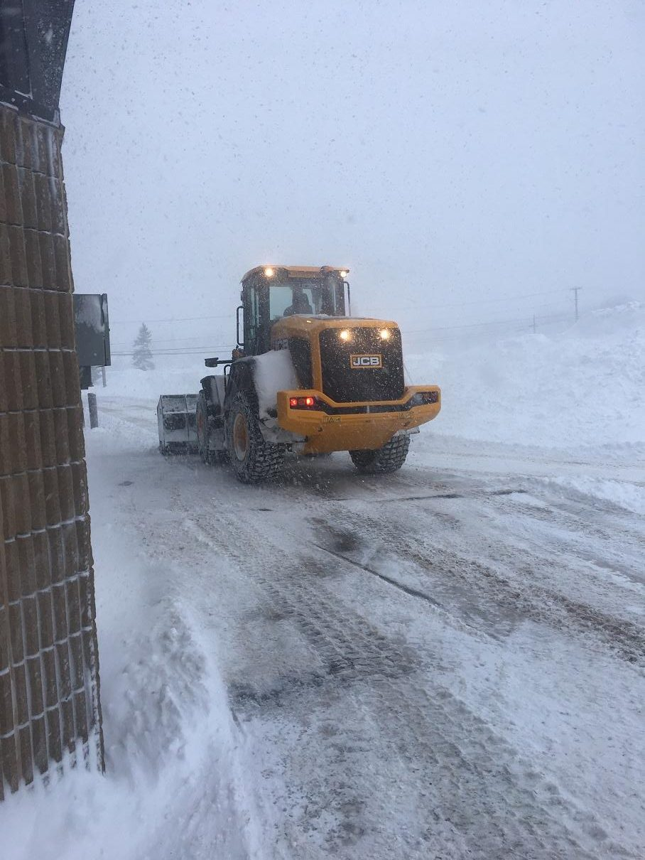 Heavy Snowfall Cancels School And Leaves Motorists In The Ditch