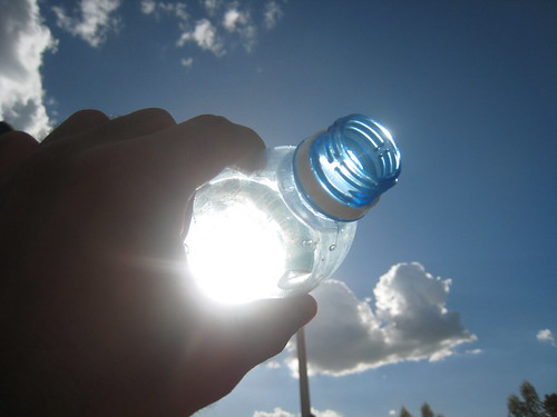 Can Water Bottles In Hot Cars Cause Fires?   Country 94