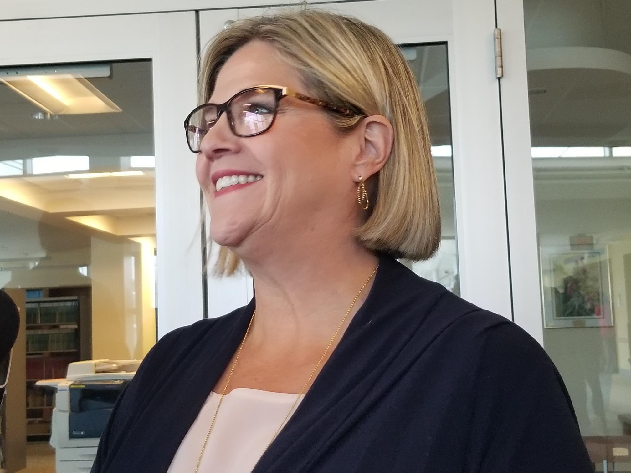 Horwath Issues Warning About Deficit