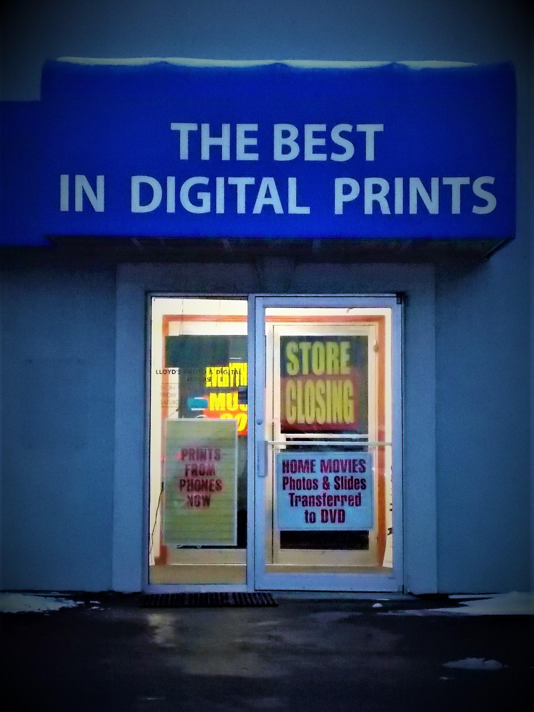 Lloyd's Photo & Digital Closing