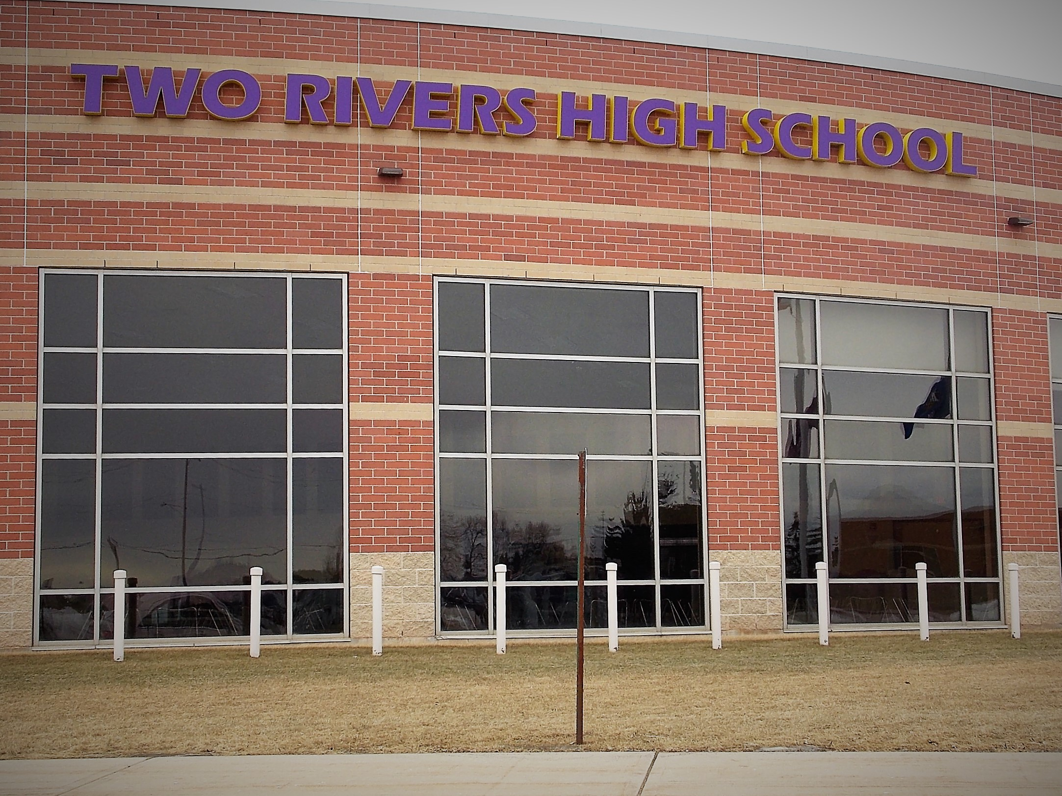 Two Rivers High School FBLA To Hold Free Dinner for Veterans