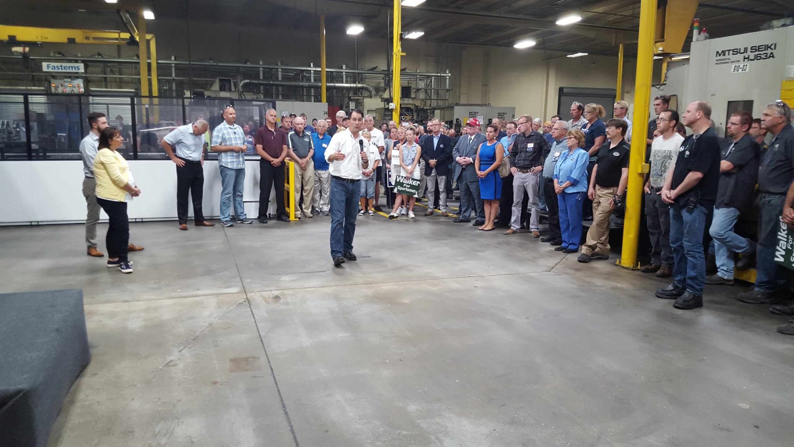 Governor Walker Visits Manitowoc Tool And Machining