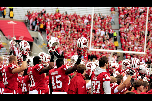 Taylor Runs Wild, Badgers Whip Winless Cornhuskers 41-24