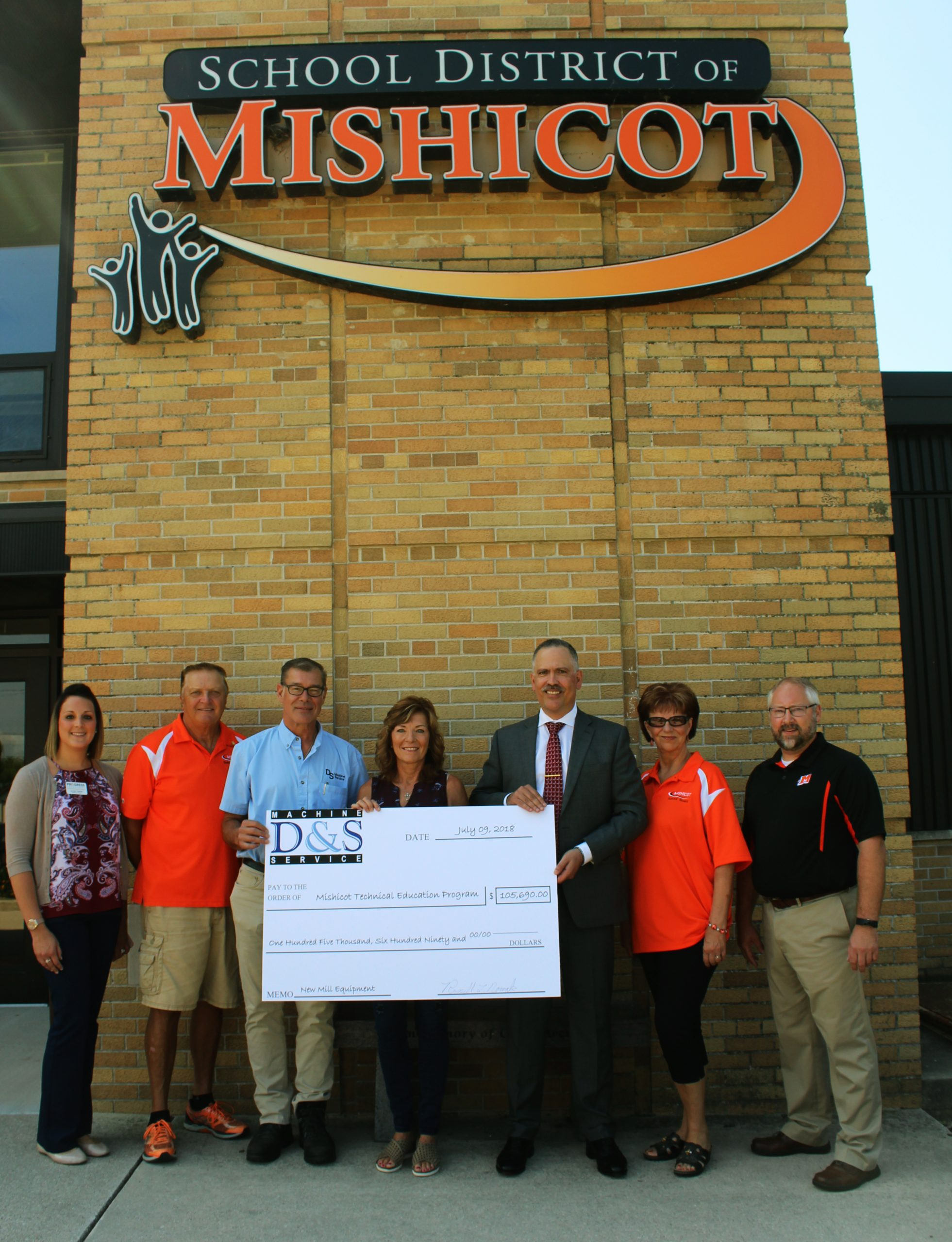 Mishicot High School Receives $100,000 Worth of Manufacturing Equipment