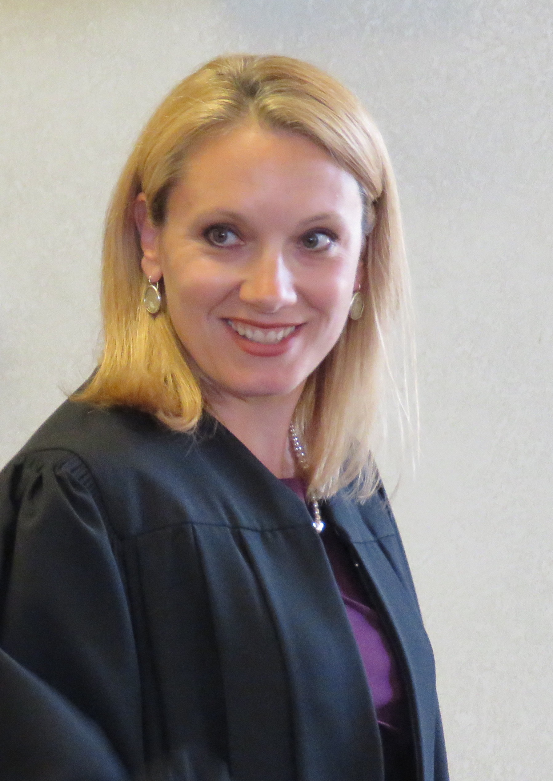 Jerilyn Dietz Sworn In as Manitowoc County Circuit Court Judge