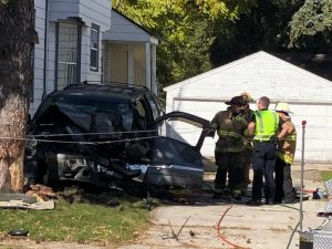 Car Crashes Into Tree On Marshall Street In Manitowoc