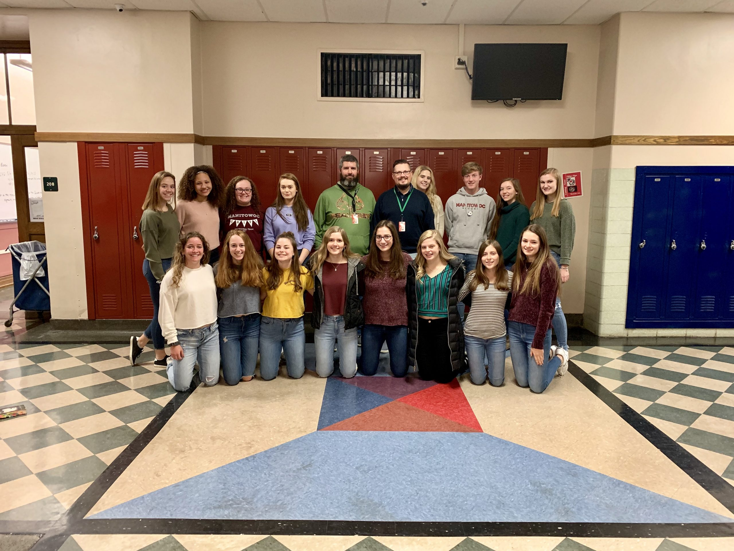 100 Club Raises Money For Big Brothers/Big Sisters and Sting Cancer Lincoln High School