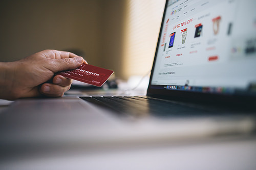 Scam Alert: Be Wary of Holiday Shopping Scams