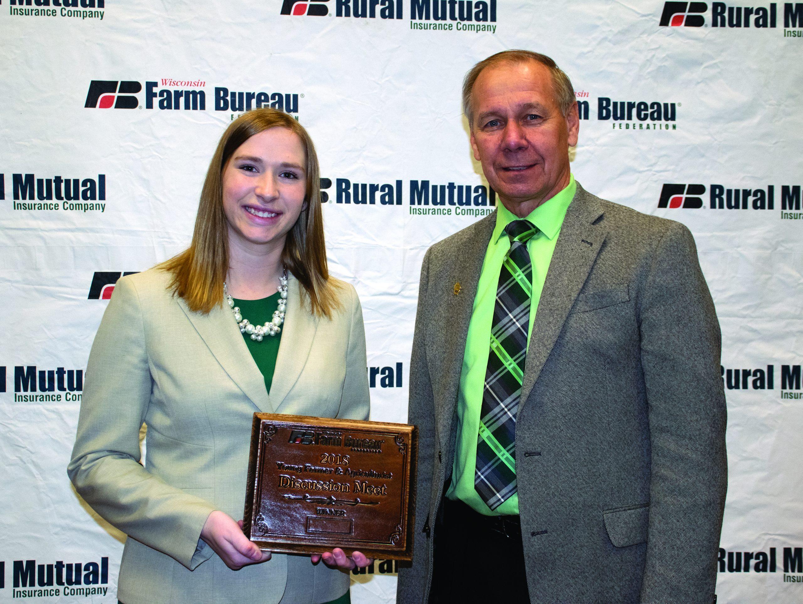 Manitowoc County Woman Wins Farm Bureau's Discussion Meet Contest