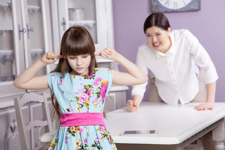 The Top 10 Ways Parents Embarrass Their Kids