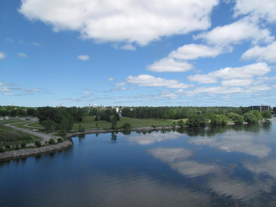 CORRECTION: Belleville splash pad hours