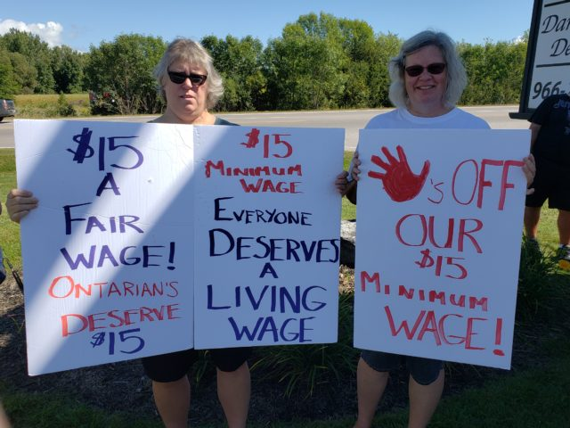 Locals rally to support $15 minimum wage increase