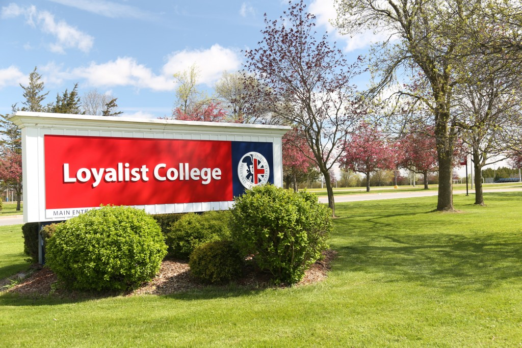 Loyalist College awarded government grant for research equipment