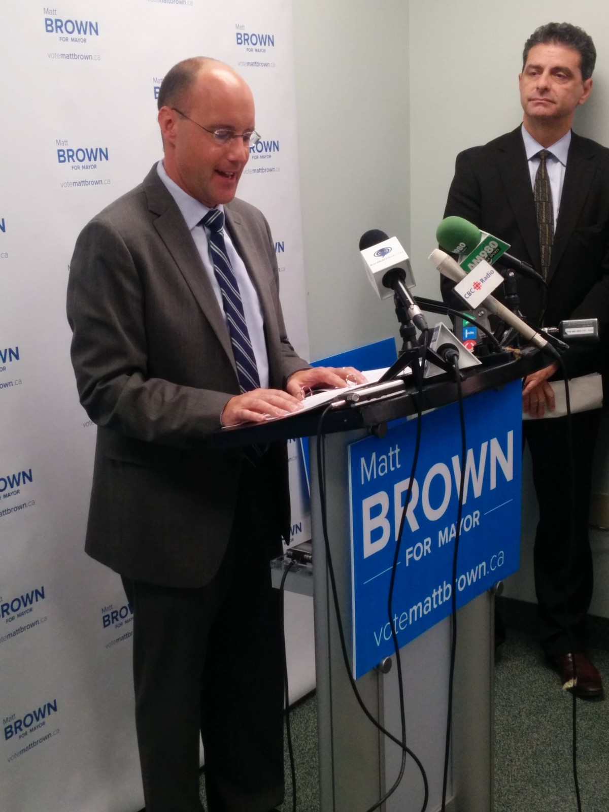 Brown attacks Cheng, gets new endorsements at morning news conference