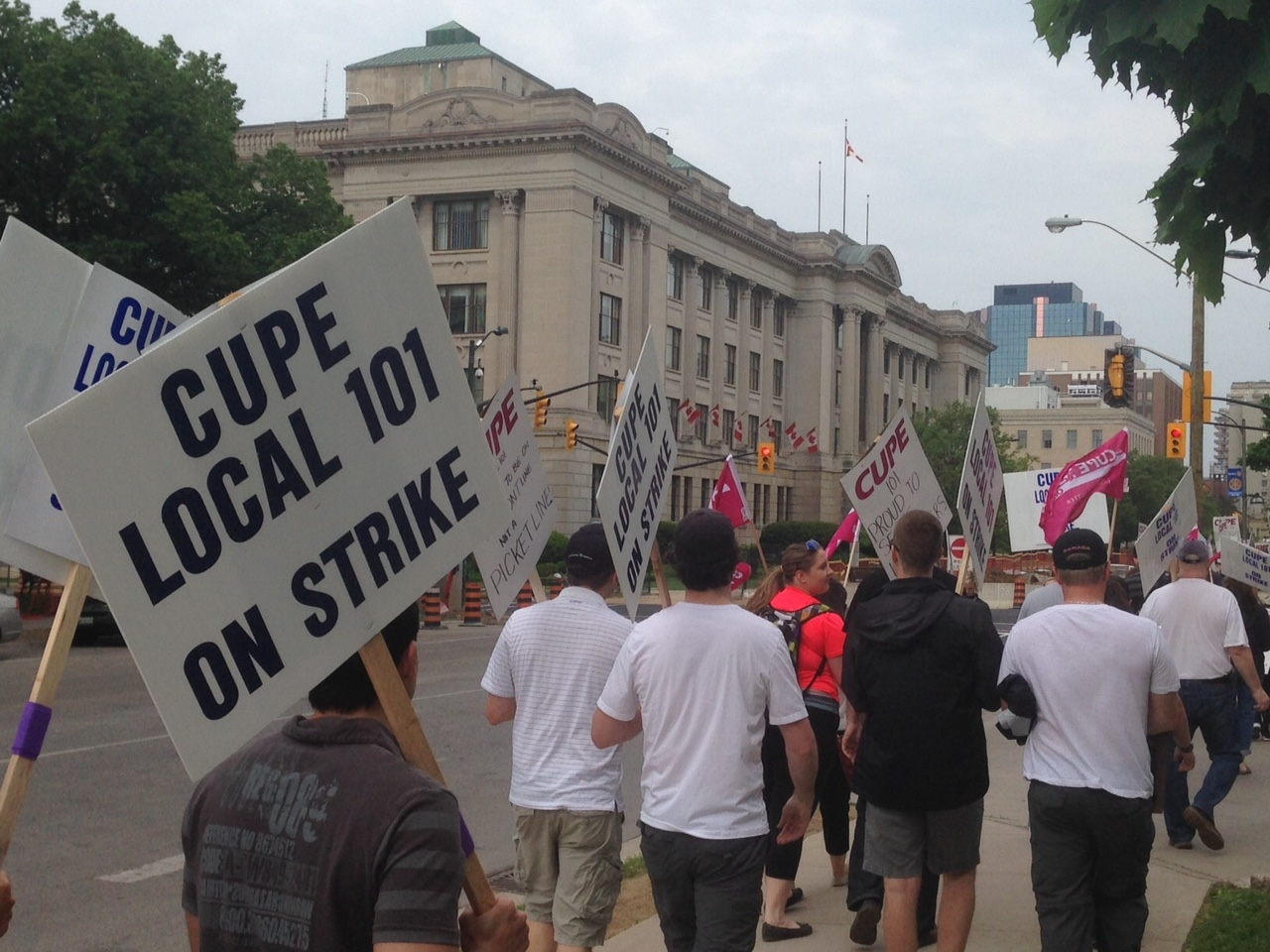 CUPE Local 101 and City head back to bargaining table