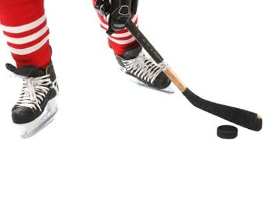 Thames Centre hockey player penalized after swinging stick at another player's head