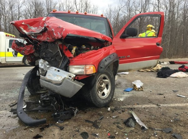 OPP investigating into two pick-up truck crash just west of London