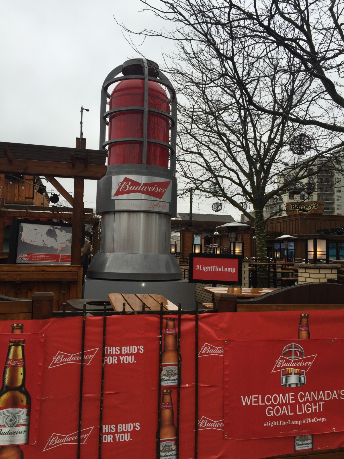 London welcomes Canada Goal Light
