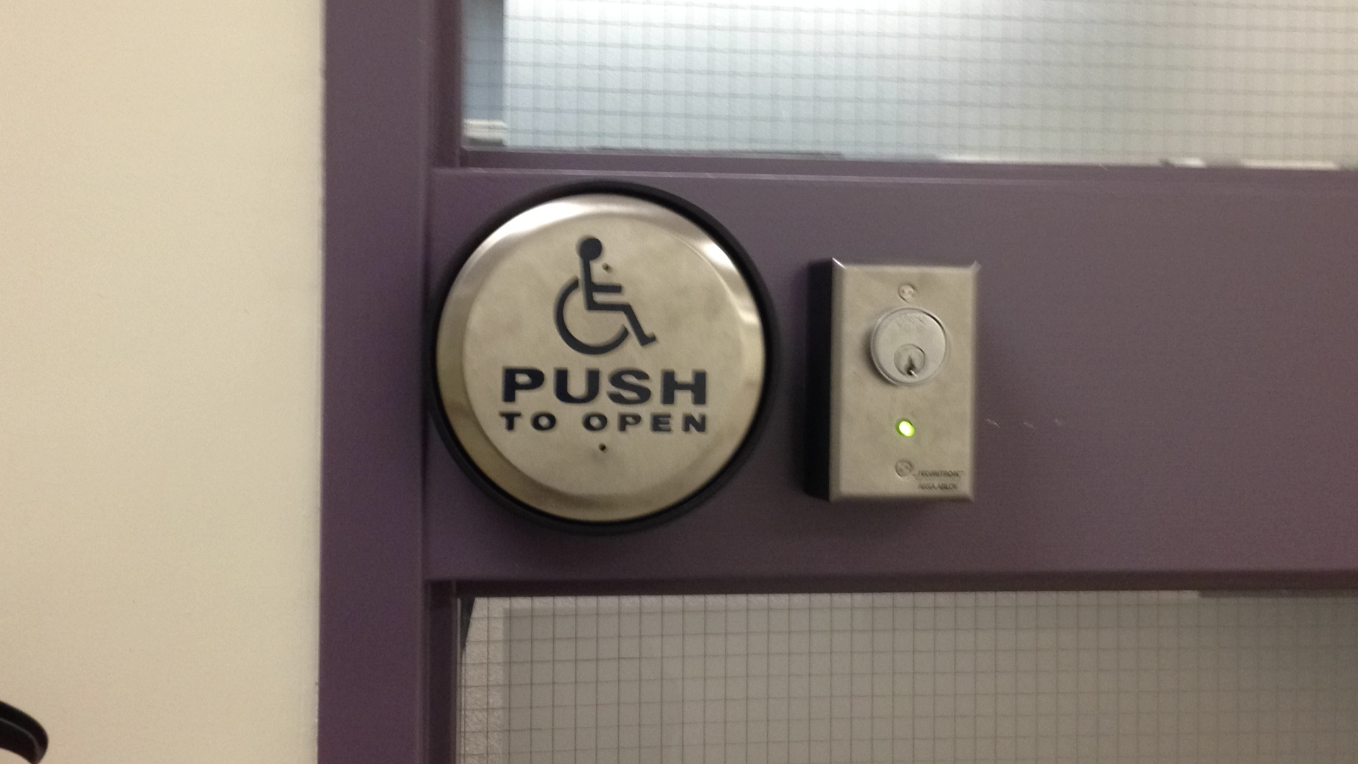 Western University focuses on accessibility in its architecture