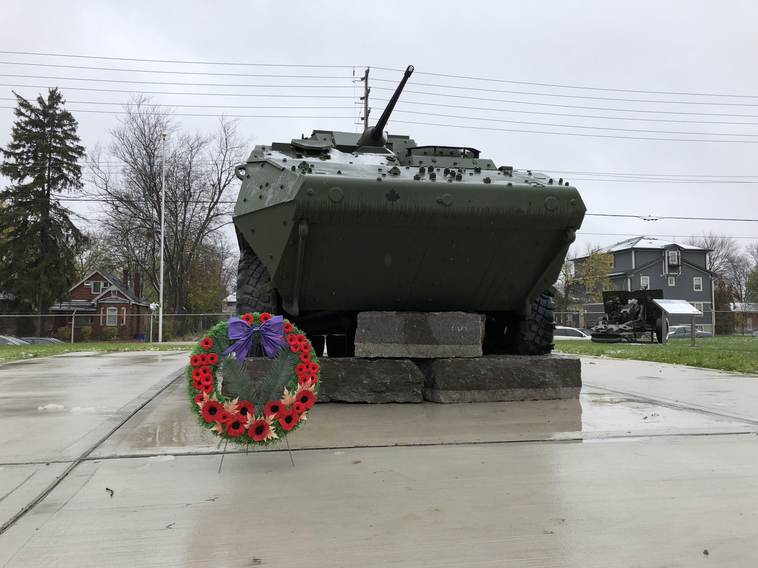 London erects monument to honour Canadian Armed Forces