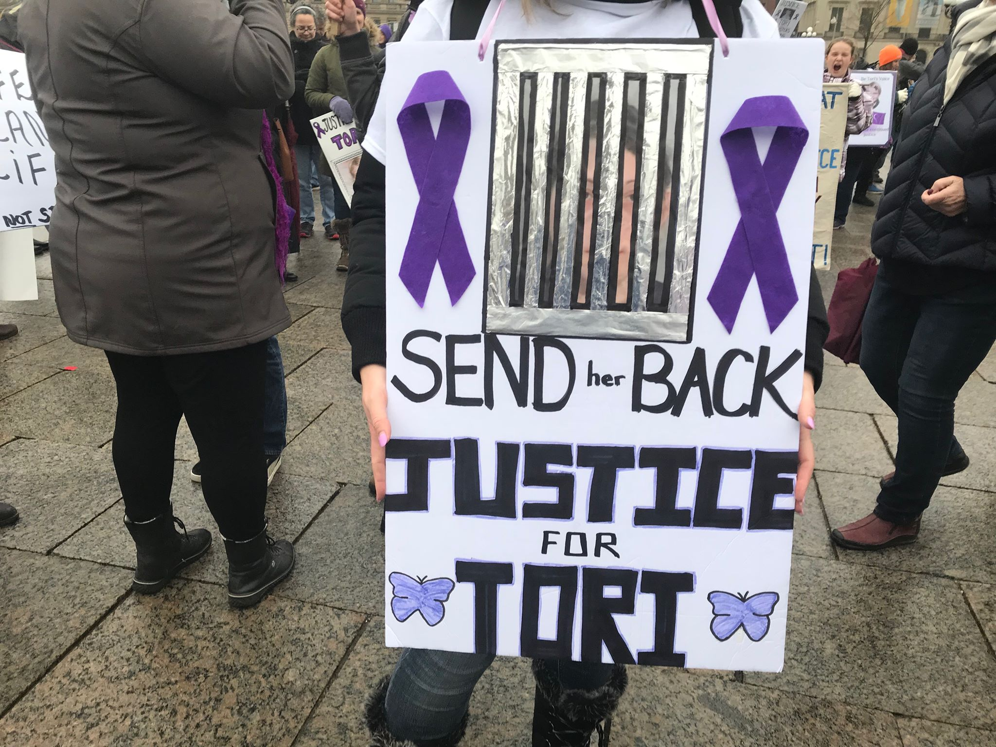 Terri-Lynne McClintic sent back behind bars