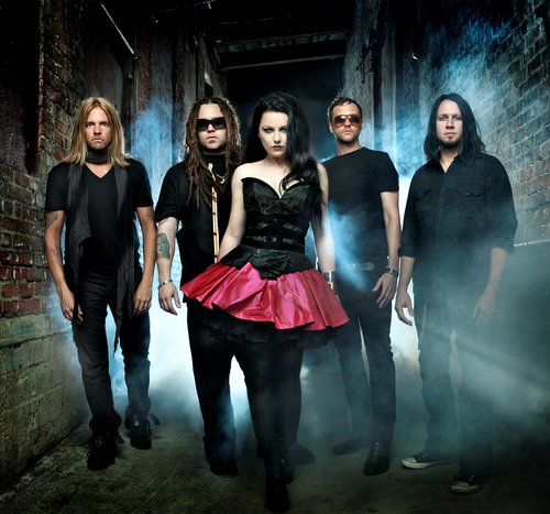"""Amy Lee Explains Evanescence's New """"Synthesis"""" (Video)"""