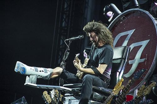 [WATCH] Rockin' 1000 Returns with Foo Fighters' 'Saint Cecilia'