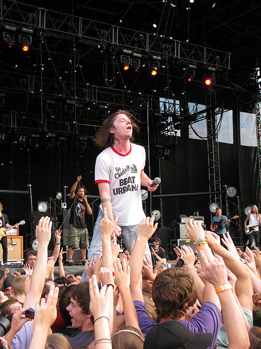 Cage The Elephant Playing A Home Opener Show Before WKU Game This Saturday In Bowling Green!