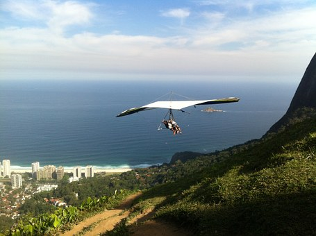 Annnnnd this is why I am scared to go hang-gliding!