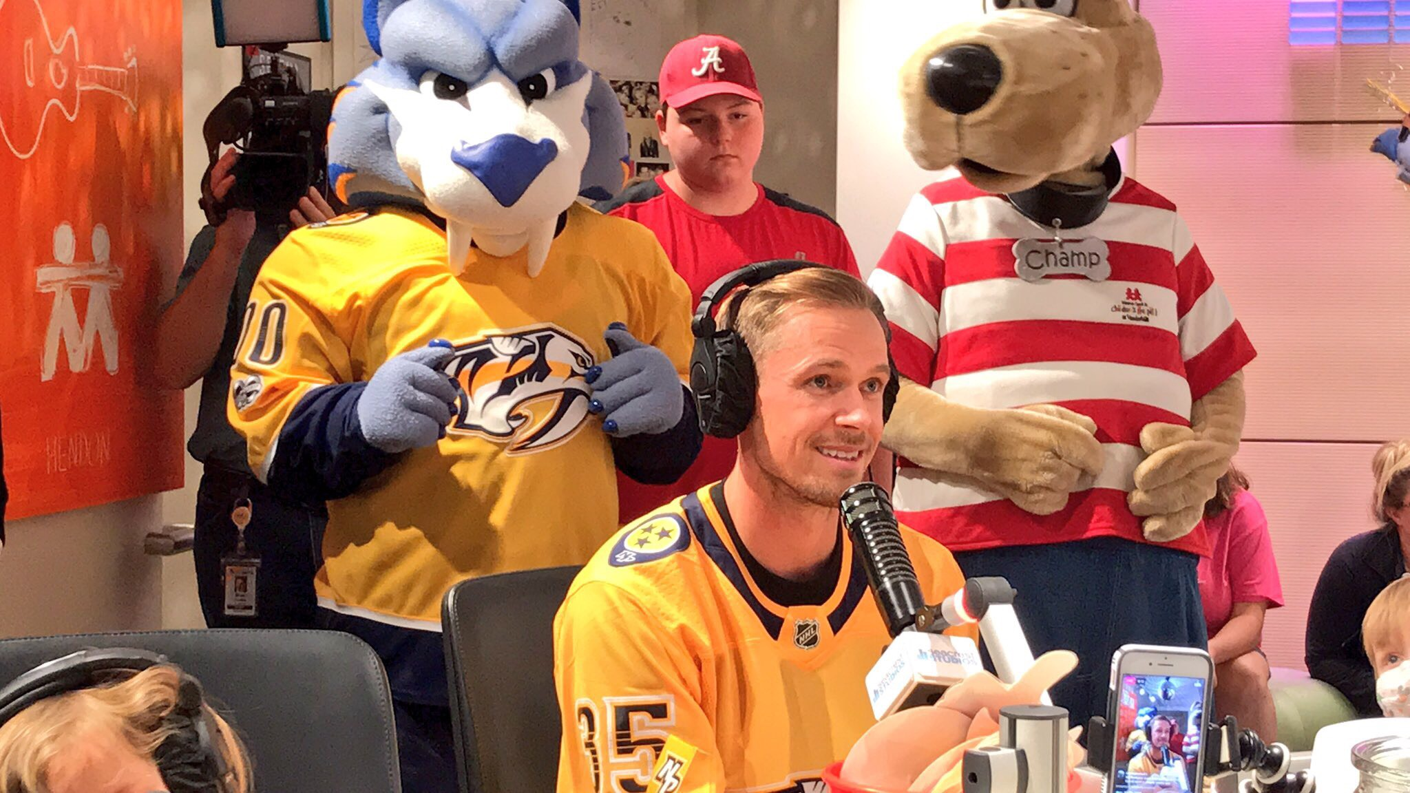 "Predators Pekka Rinne plays ""Emoji Game"" with children at Monroe Carell Jr. Childrens Hospital"