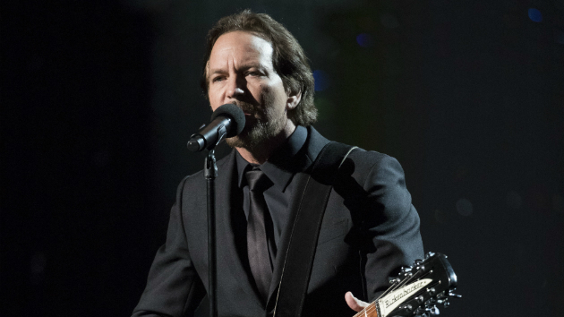 Watch Eddie Vedder perform with Judd Apatow in bonus clip from Garry Shandling doc