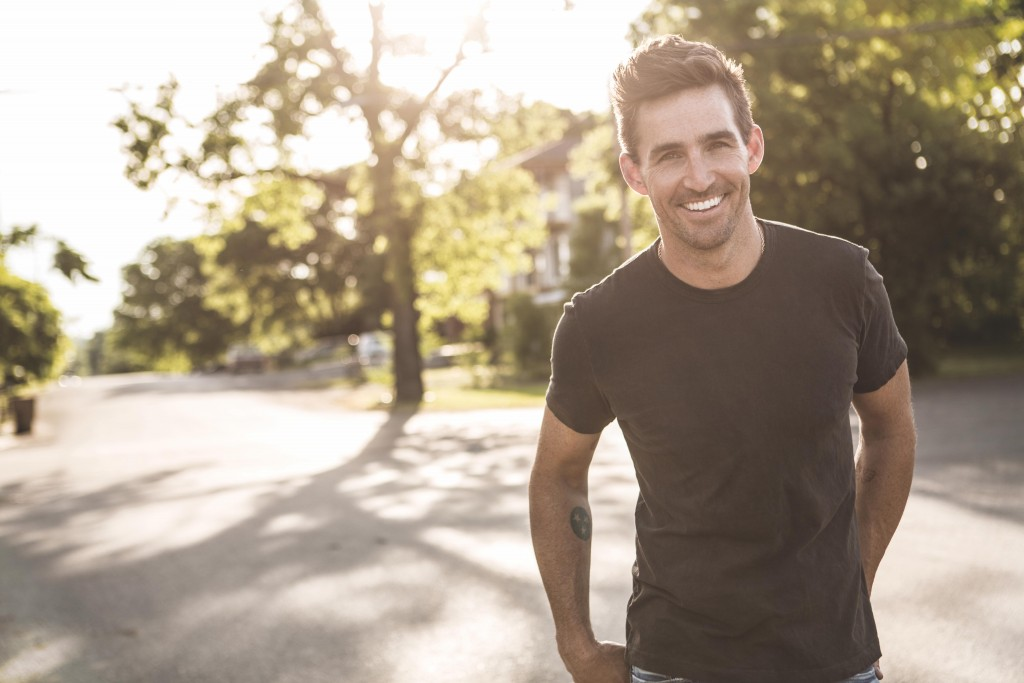 "Jake Owen Would Have ""100"" Daughters if he Could"
