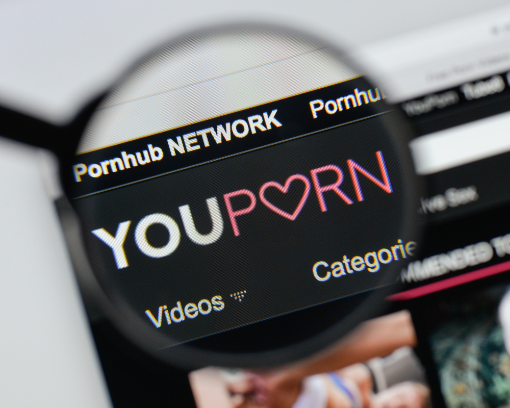 Starbucks Set To Block Porn On Free Wi-Fi, YouPorn Responds By Banning Starbucks