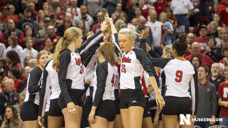 Husker Volleyball To Finish Regular Season This Weekend