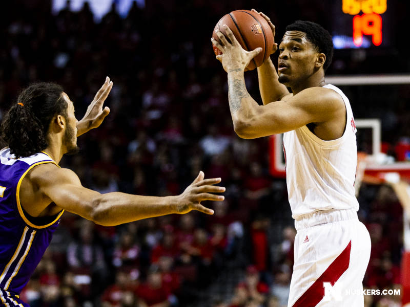 Huskers Tame Tigers