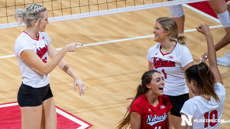 Huskers Advance to Sweet 16