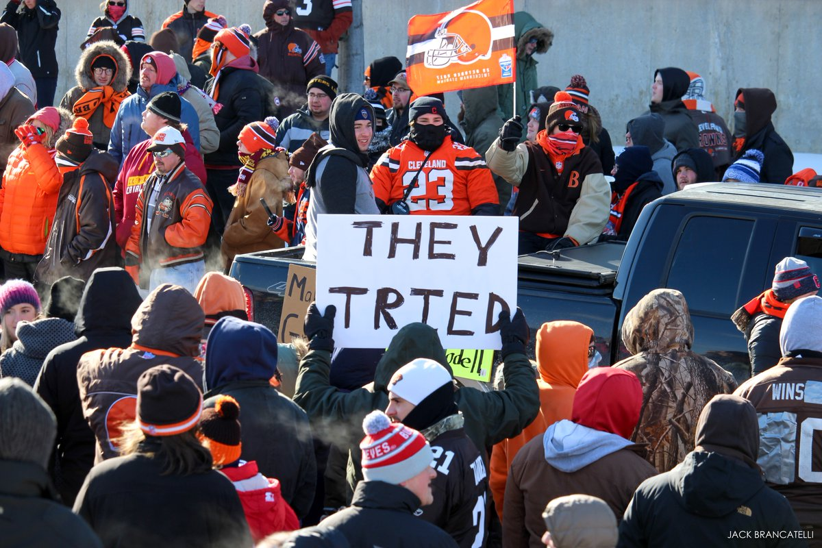 Browns Fans Celebrate Perfect 0-16 Season Parade In Cleveland