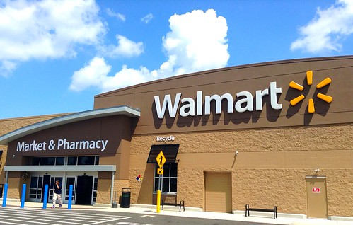 Cop dragged through Slidell Walmart parking lot, leads to