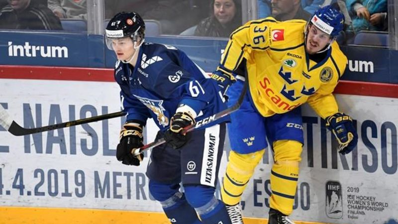 Defenceman Teemu Kivihalme signs with Toronto Maple Leafs