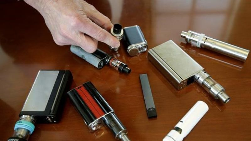 One Dead In Illinois From Vaping-Related Breathing Problems