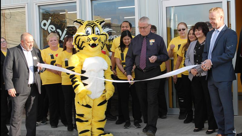 Big crowd for Giant Tiger opening downtown North Battleford