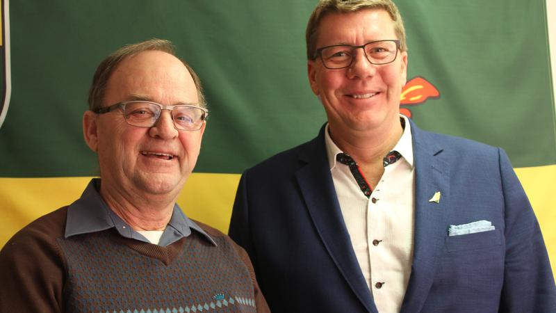 Premier Scott Moe thanks Cox, talks about hot topic issues during visit to the Battlefords