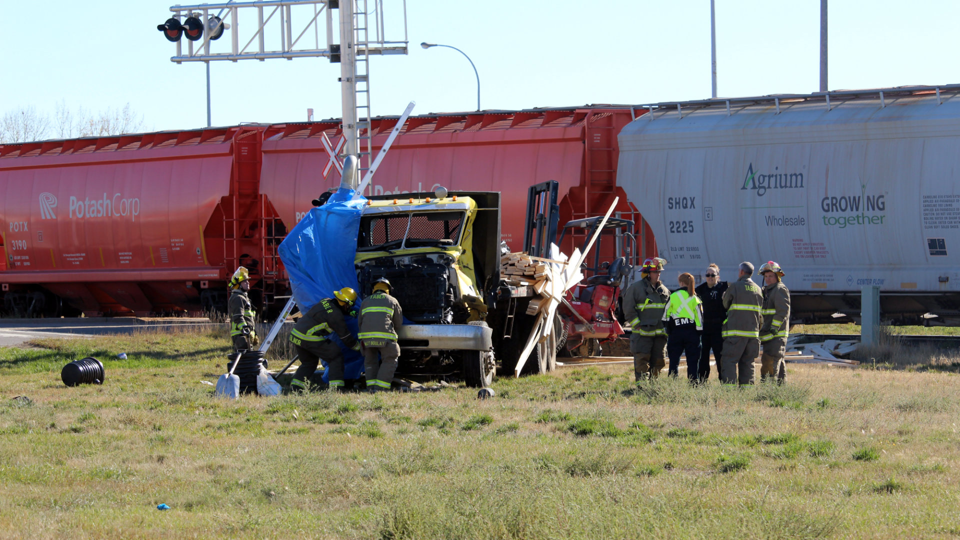 Fatal train collision with flatbed in Taber curtails Highway