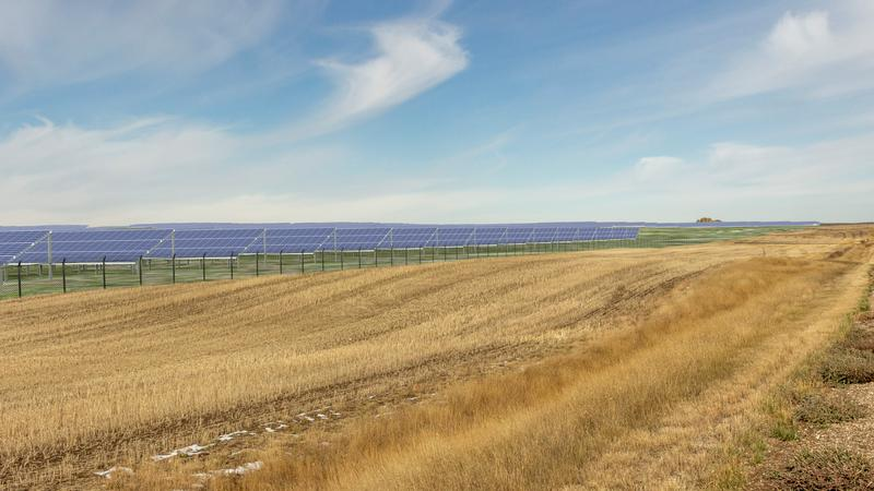 Regulators approve Canada's largest solar project