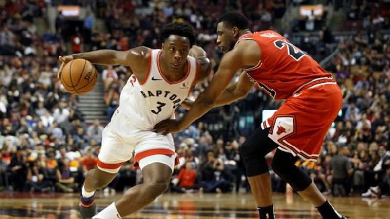 Kyle Lowry signs one-year Raptors extension